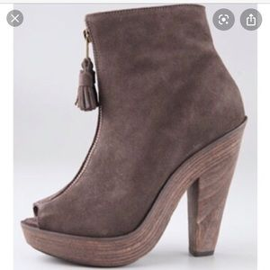 """Joie """"Knock on Wood"""" suede ankle boots🥀"""